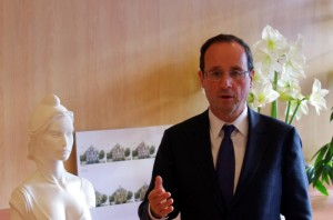 François Hollande François Hollande accorde un entretien au Bondy Blog