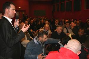 0000053924 Echange salle 11 300x200 Soirée de lancement de campagne de Yacine DJAZIRI le 09 février 2012