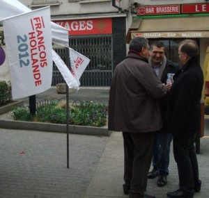 Mobilisation samedi 17 mars place Gabriel Peri 2012 03 17 003 300x285 WE de mobilisation à Nanterre