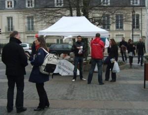 Mobilisation samedi 17 mars place Gabriel Peri 2012 03 17 005 300x234 WE de mobilisation à Nanterre