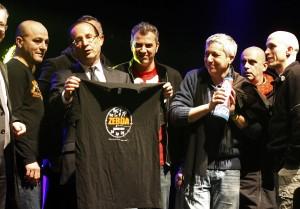RTR31ALU 300x209 Zebda devant Hollande au printemps de Bourges : Il va gagner !