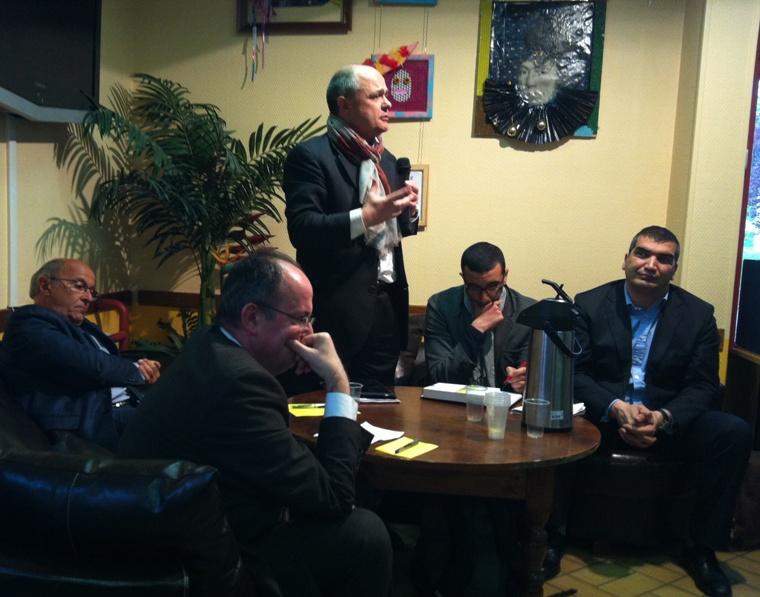 photos iphone 009 ZyVa débat, un échange riche et intéressant